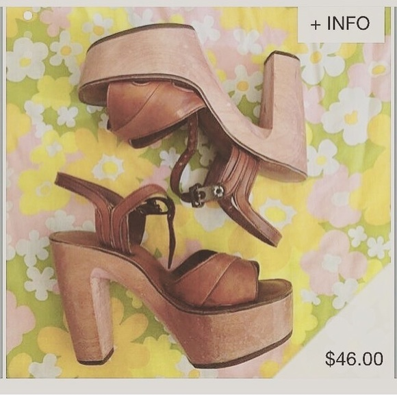893d87e66e Baretraps Shoes - Vintage 1970's BareTraps Wooden Platform Heels