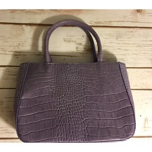 Lavender express purse. Excellent condition