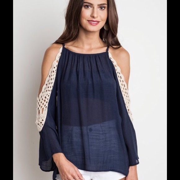 d79f86c8c9438 Umgee USA Cold Shoulder Crochet Lace Bell Sleeve