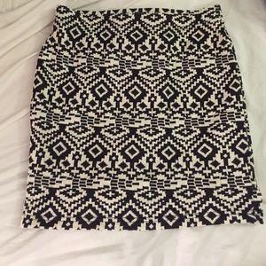Tribal print body-con skirt