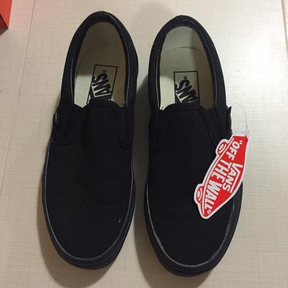 black slip on vans 3.5