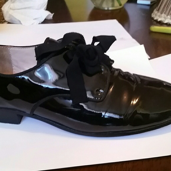 53b73fe5298 Used Women black patent leather shoes with box. M 57b0779c2fd0b7f0af0018f6