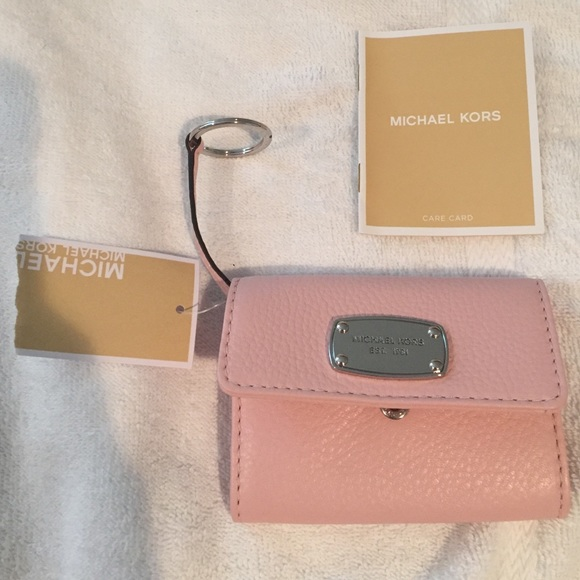42b1d44bf326e Authentic Michael Kors blossom keyring wallet