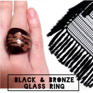Jewelry - •.Black & Sparkly Gold Glass Ring•.