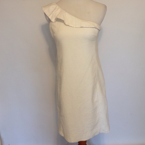 How to make a white one shoulder dress