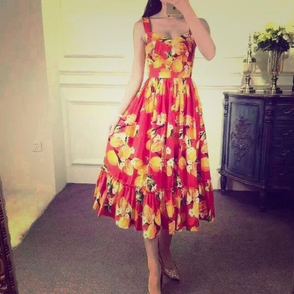 b031efc7528 Dolce   Gabbana style red dress