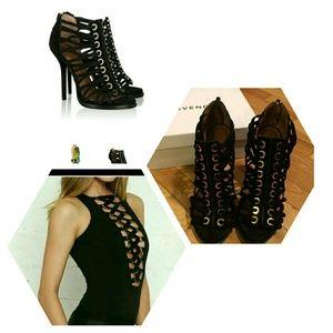 Givenchy Shoes - BUNDLE DEAl 😍Givenchy Sandal 10.5 MAKE AN OFFER??