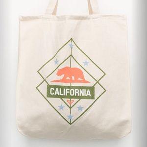Roxy Handbags - LAST 1❗️ NWT Roxy Canvas Tote Bag