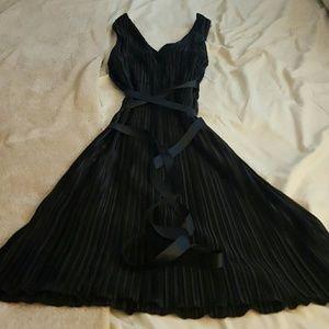 Black dress w strap