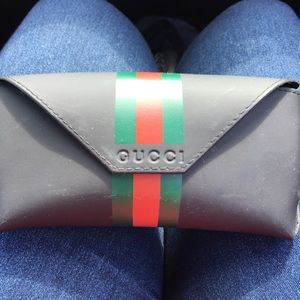 Gucci sunglass/eyeglass case!