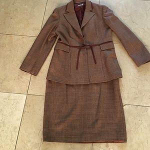 Philosophy di Alberta Ferretti Jackets & Blazers - Made in Italy 2 piece suite. Wool tweed suede belt