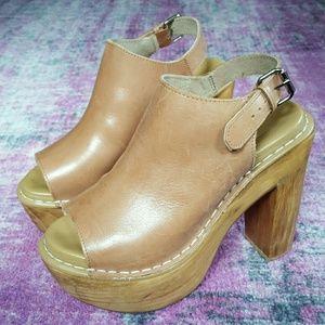 Topshop Tan Leather Wooden Heels