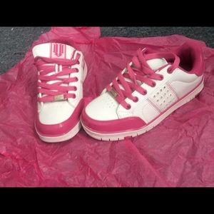 Nike Other - 💕BRAND NEW pink sneakers