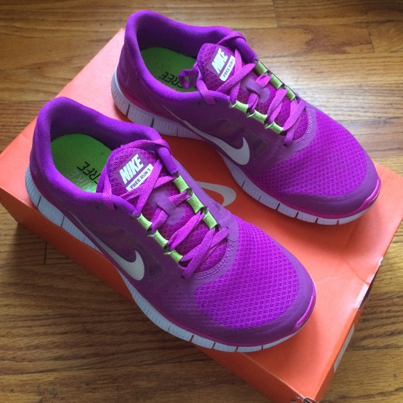 huge selection of 25ee8 28d14 Nike Free Run 3 - Purple   Magenta w  Lime Accent.  M 57b0e80d4127d0ce7c00efc1