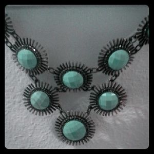 Jewelry - Long blue/green necklace