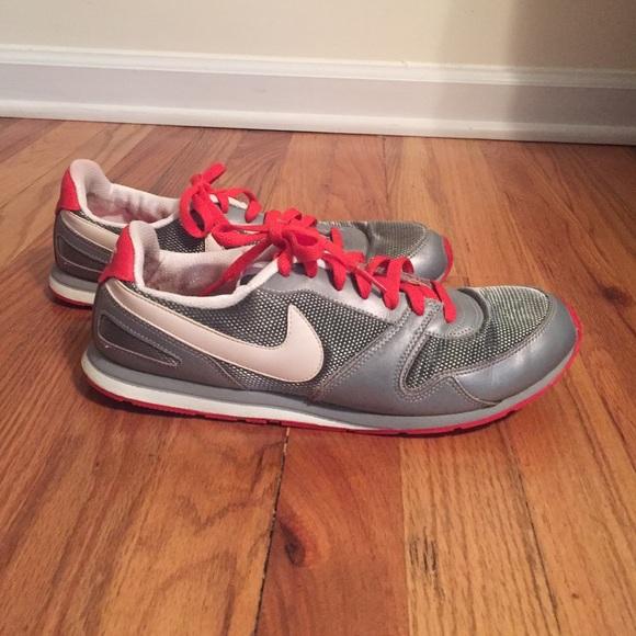 0c704c77efe6 Nike throwback sneakers. M 57b0fac97f0a059ac70646cd
