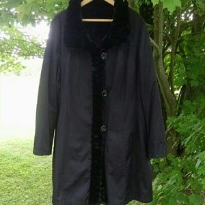 Jackets & Blazers - Reversible Black Dress Trench/Faux Fur Winter Coat