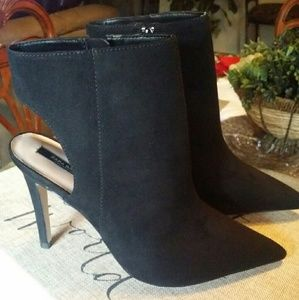 *Brand New* Zara Ankle Booties (Black)