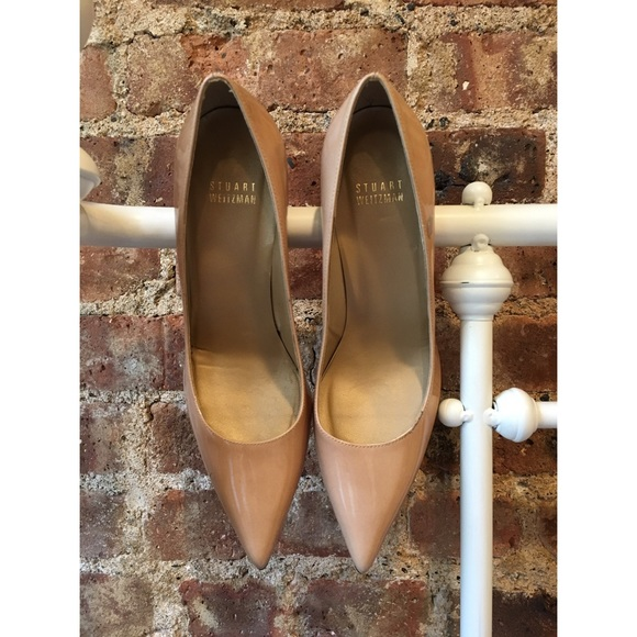 25baeccc45 Stuart Weitzman Shoes | Nude Pointed Toe Mid Heel Pumps | Poshmark