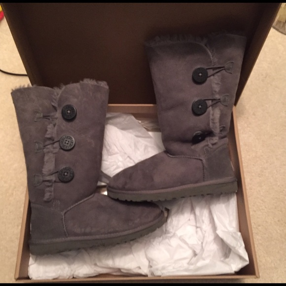 49 off ugg shoes gray uggs with buttons from sabrinas