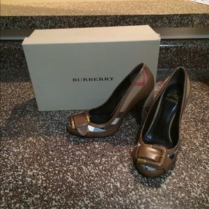 Burberry size UK 35 US 5 heels
