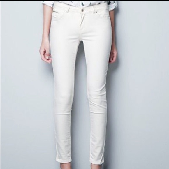 White skinny jeans size 2