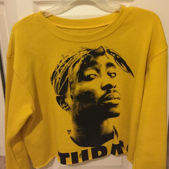 4b8dbf0bbe9451 Forever 21 Tops - Yellow crop top forever 21 tupac crew neck sweater