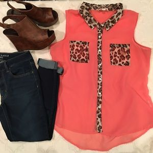 ‼️SALE‼️ Sheer button down & leopard accents❤️