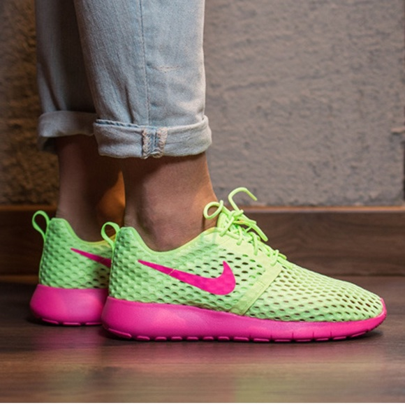 0782b5a577a5 Nike Roshe One Flight Weight ~ 9