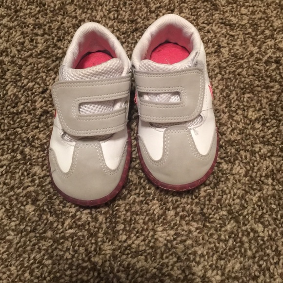 Nike toddler girl shoes size 5C