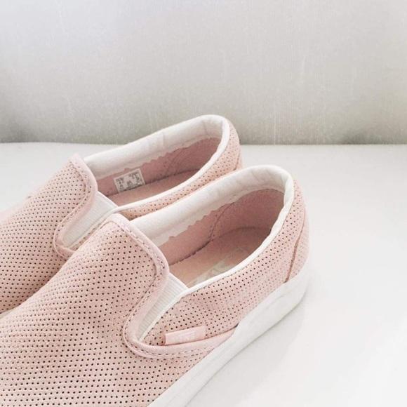 4130d8faf4 Light Pink VANS Slip Ons. M 57b154f799086a86c9073f49