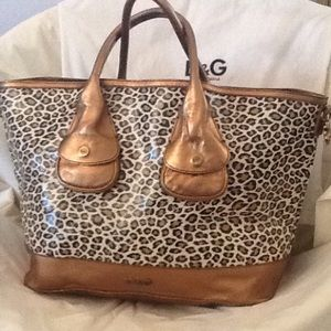 D&G Handbags - Authentic D&G Bronze & Leopard purse