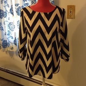 Everly Black & White Chevron Print Blouse-M