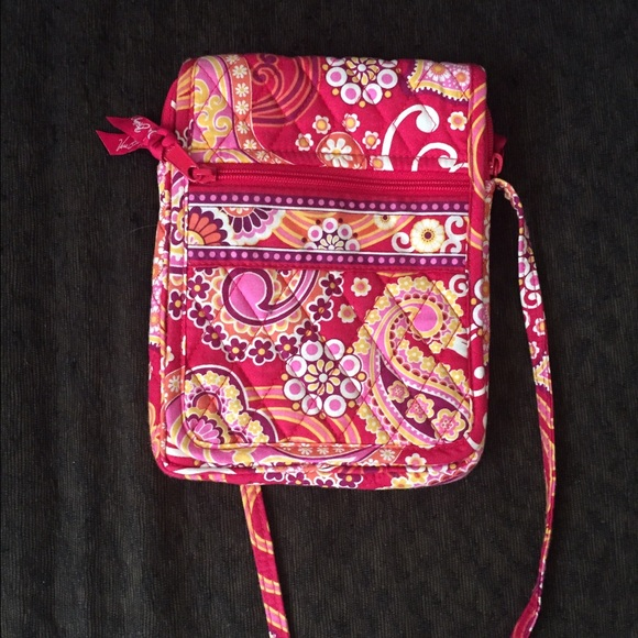 8d1ac0212af3fe Vera Bradley Bags | Raspberry Fizz Crossbody Bag | Poshmark