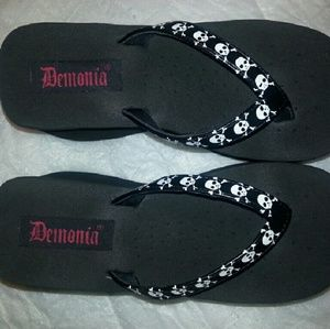 90df67d9677 demonia Shoes - NEW Demonia platform flip flops