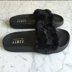 kylie jenner puma flip flops