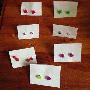 7 pairs of earrings