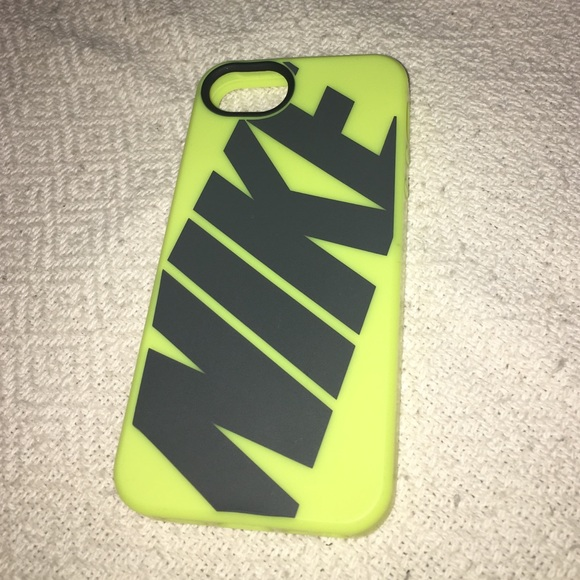 nike iphone 5 case nike accessories iphone 5 5s rubber phone poshmark 15766
