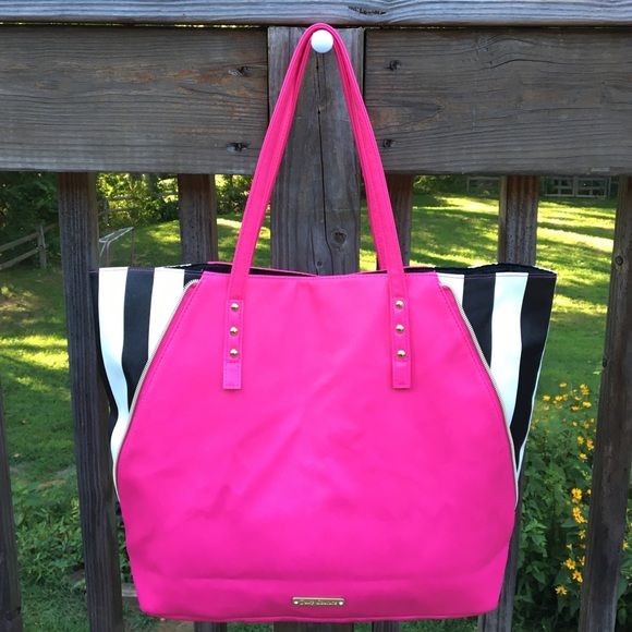 Juicy Couture Handbags - Women s Juicy Couture Pink and Stripe Tote Bag 495ac9061d