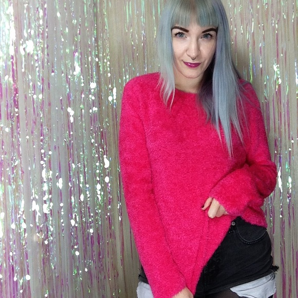 990cdd21fb0 ... Hot Pink Fuzzy Sweater Top. M 57b2638a13302a505008da99
