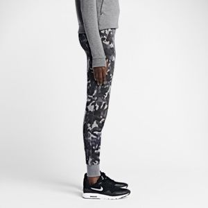 Nike Poshmark Pants Sweat Womens Fleece Tapered Camo Tech A6OAq