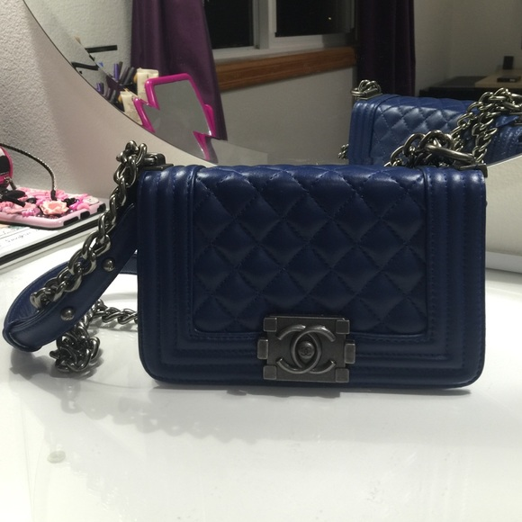 7881857c2d9f71 Chanel Handbags - Chanel fashion bag ! Le boy 20cm