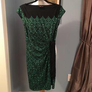 Very pretty Just Taylor Green & Black Dress sz 6