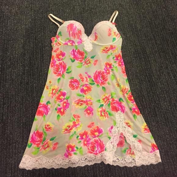 Victoria's Secret Other - VS nighty Size 36B