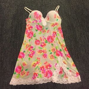 VS nighty Size 36B