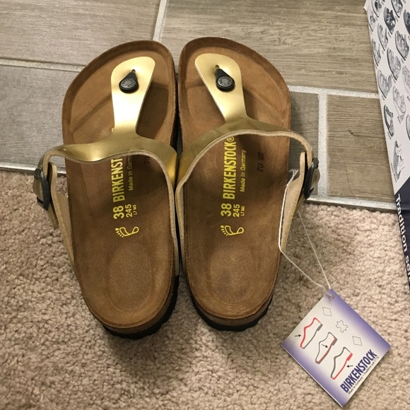 buy popular 143b6 6a930 New Birkenstock Gizeh Thong in Gold Steel NWT