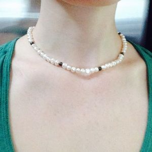 Jewelry - Pearly Bead Choker