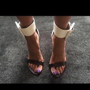 GUESS Shoes - Guess Open-Toe pumps, size: 8.5