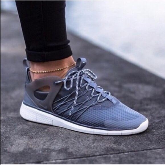 Women's Nike Free Viritous Grey Running Shoes