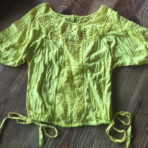 Anthropologie Tops - Anthropologie yellow blouse